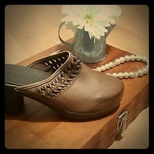 💄White Mountain brown leather  Clogs Inv4/30 💄